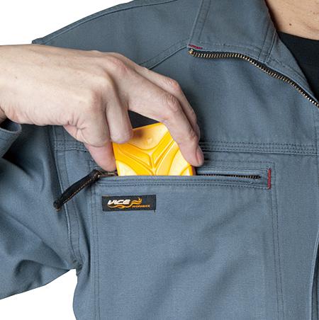 大型胸ポケット