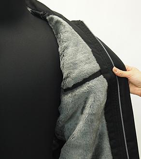 肌触りのよいカットボアと内ポケット
