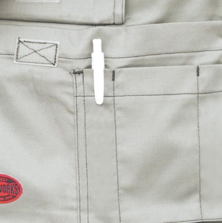 胸ポケット、ペンさし