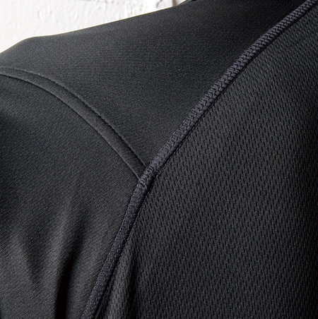 スタイリッシュな袖ポケット