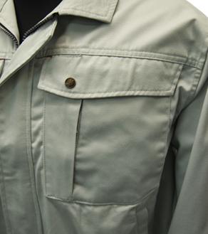 左胸ペンさし・ファスナー付2重ポケット