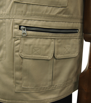 左側ファスナー付2重ポケット