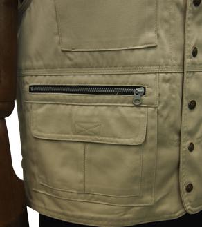 右側ファスナー付2重ポケット