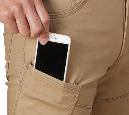 右:スマートフォン収納ポケット