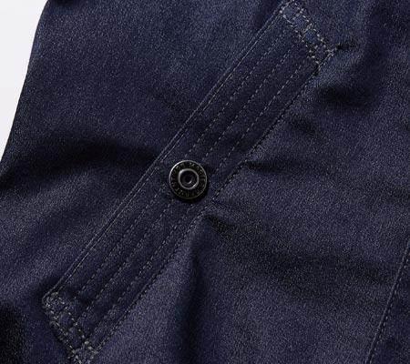 ドットボタン付き脇ポケット