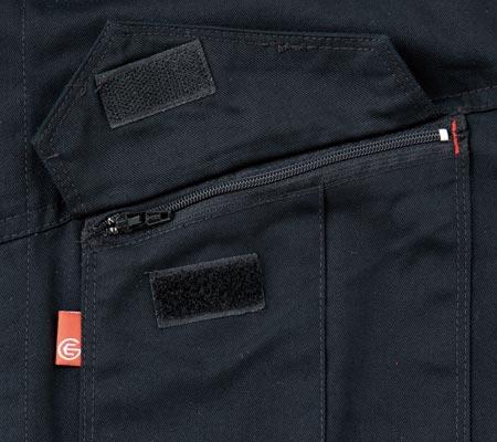 胸ポケット(ファスナー)