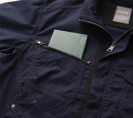 胸ファスナーポケット(野帳が入る)