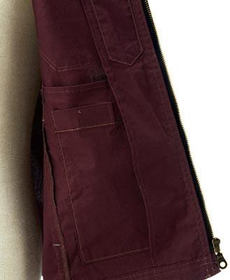 左内側:ポケット