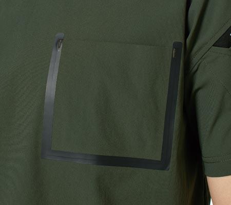 左胸ポケット:TS MERGE TECH